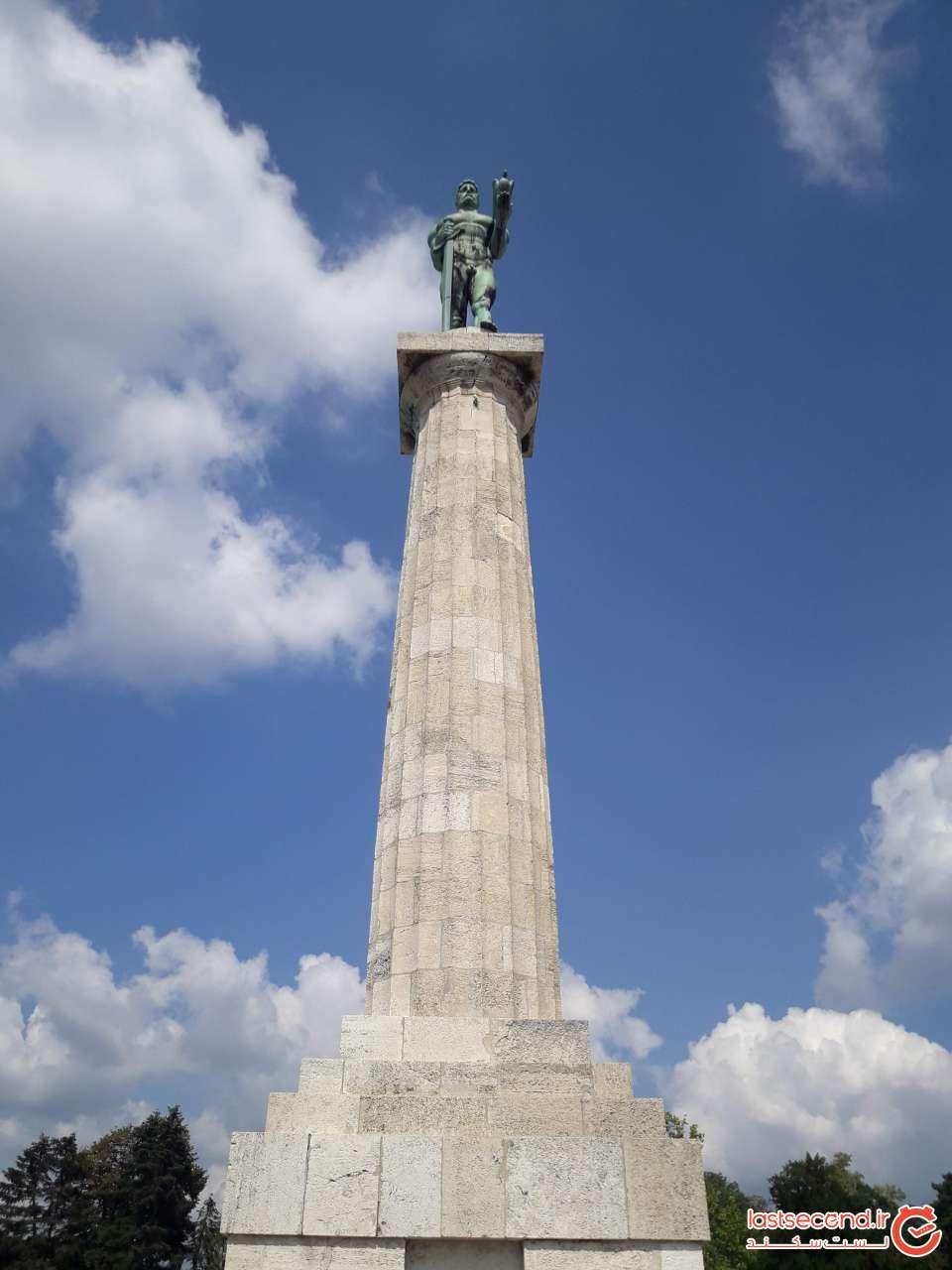بنای یادبود ویکتور در قلعه بلگراد