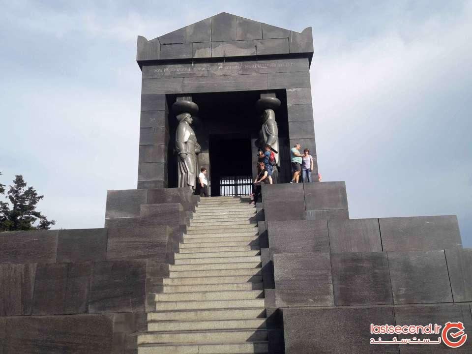 بنای سادبود قهرمان(سرباز) گمنام بلگراد