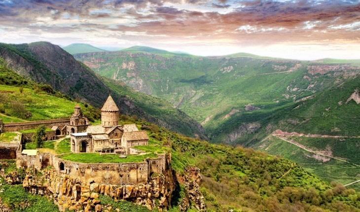 لذت سفر جاده ای در جنوب ارمنستان