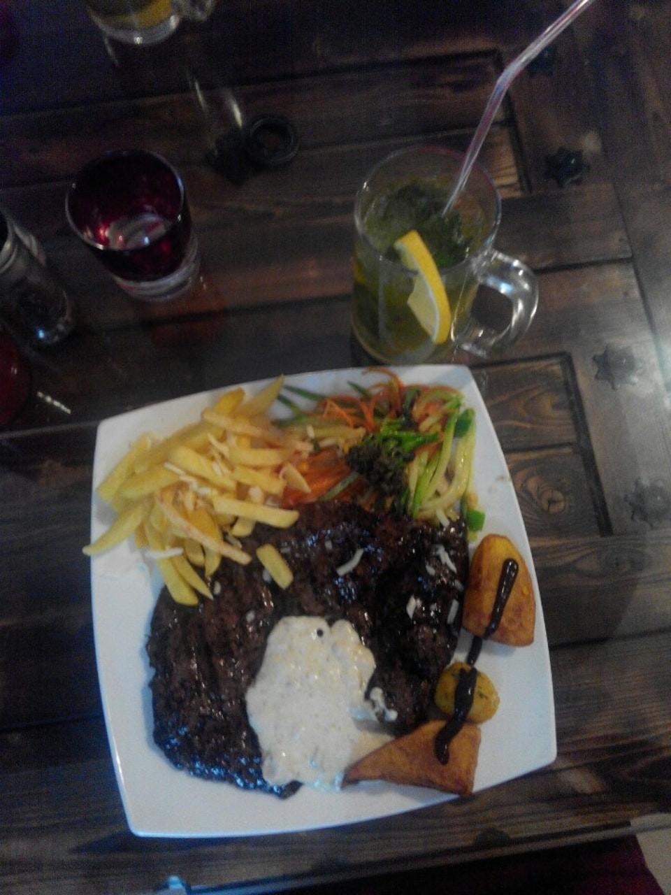 Haft Darya Italian Restaurant (1).jpg