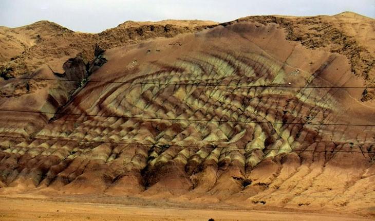 کوه اژدها، نادرترین پدیده زمین شناسی گرمسار