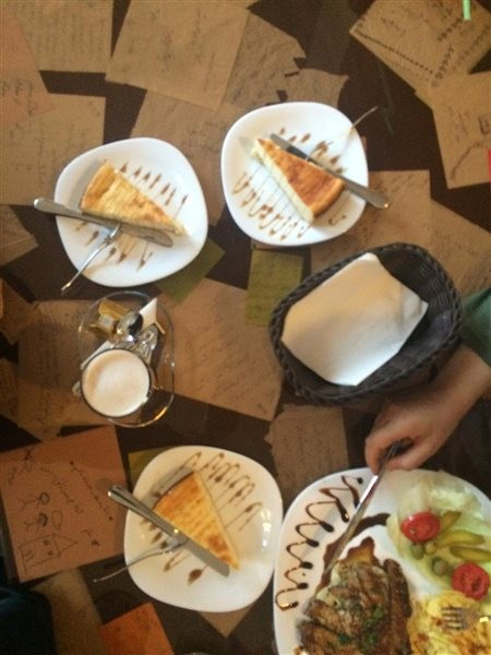 Japet Café (8).jpg