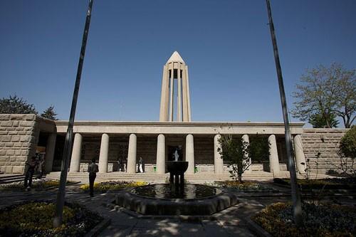 Avicenna Mausoleum (5).jpg