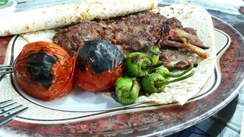 Tagh-e Bostan Dandeh Kabab (6).jpg