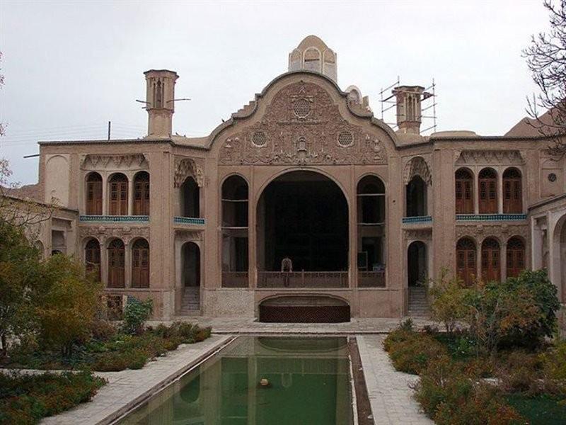 خانه تاریخی بروجردی ها