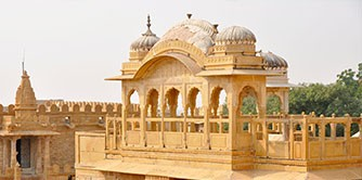 سفرنامه و راهنمای سفر ماجراجویانه با کولهپشتی به هندوستان ( بنارس – آگرا – فاتحپور – جیپور – دهلی )