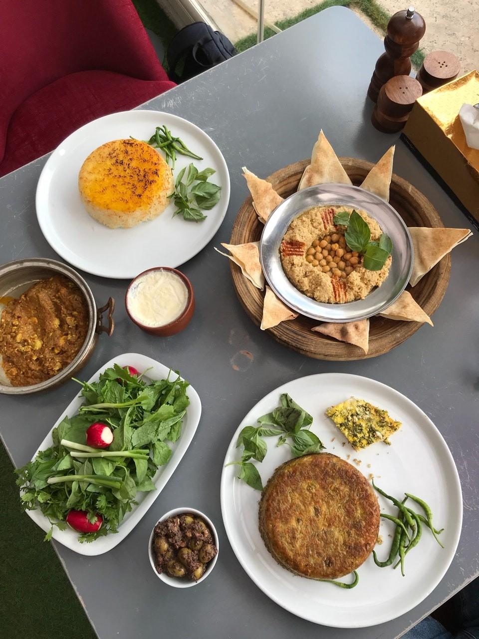 Shekam ol molouk Restaurant (2).jpg