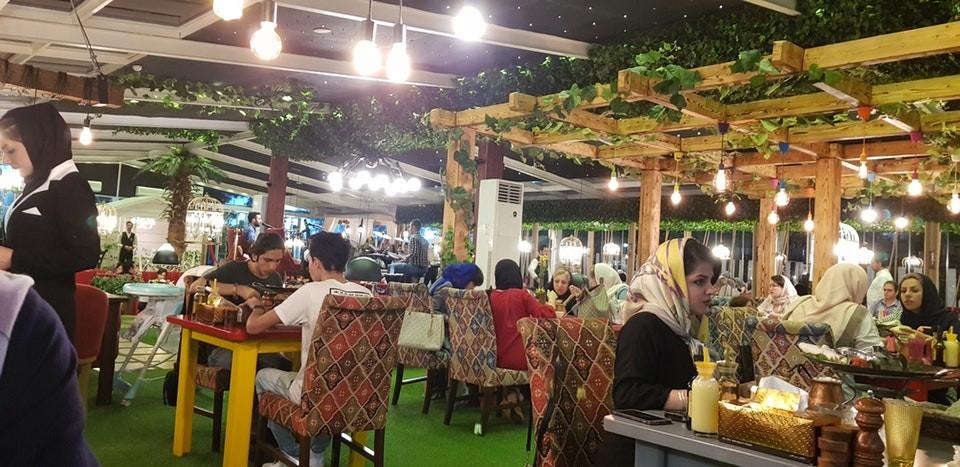 Shekam ol molouk Restaurant (18).jpg