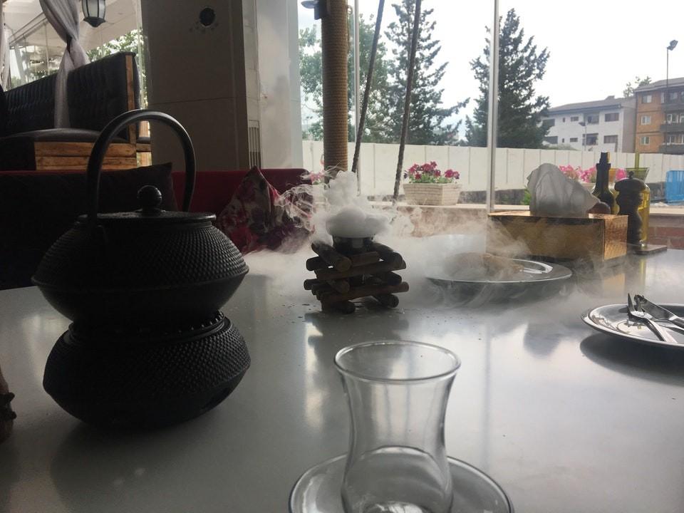 Shekam ol molouk Restaurant (19).jpg