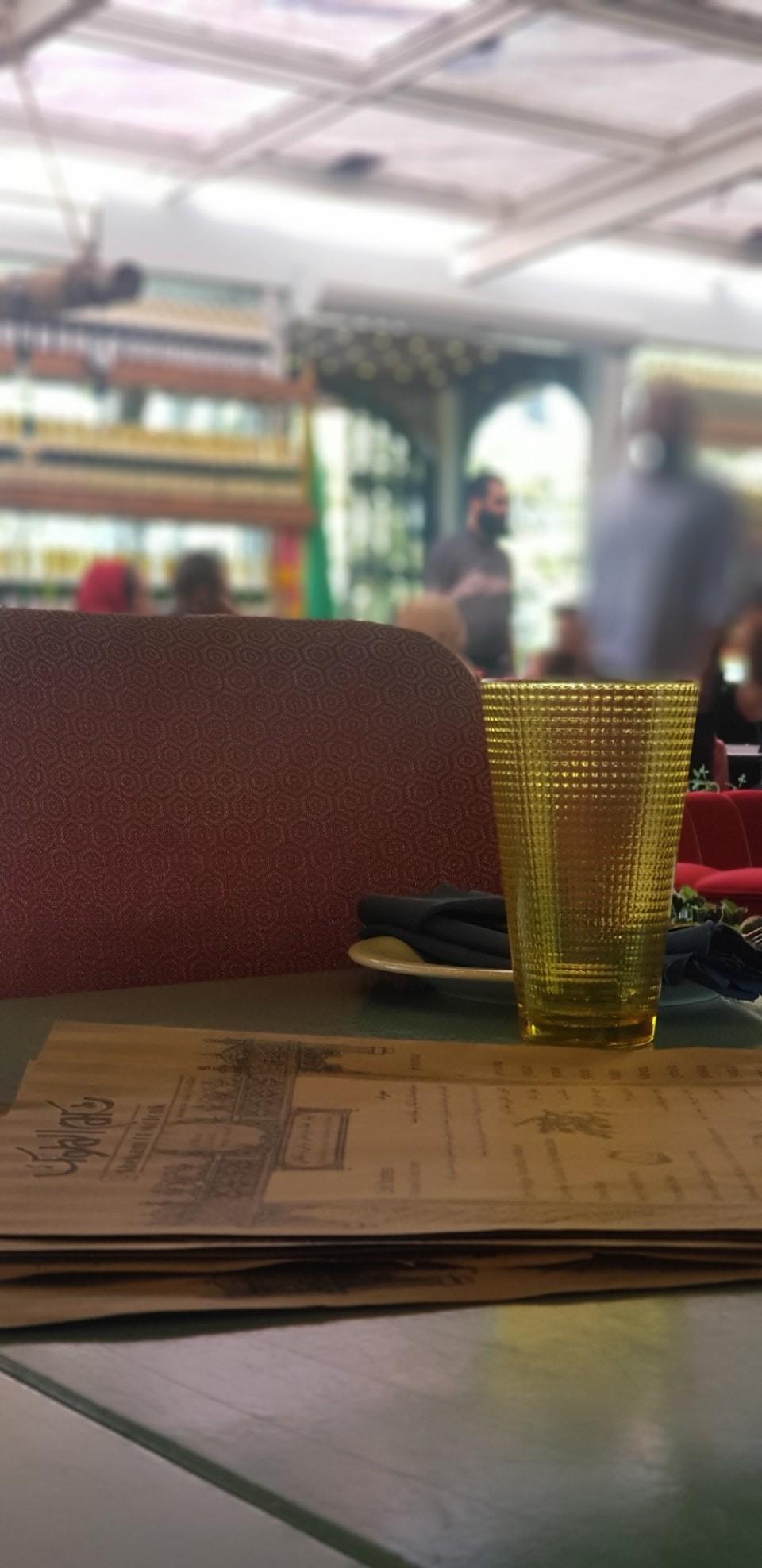 Shekam ol molouk Restaurant (1).jpg