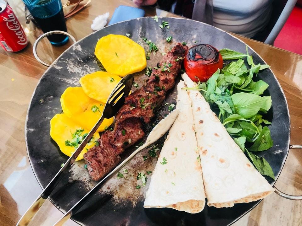 Shekam ol molouk Restaurant (16).jpg