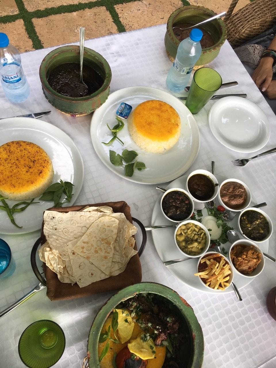Shekam ol molouk Restaurant (7).jpg