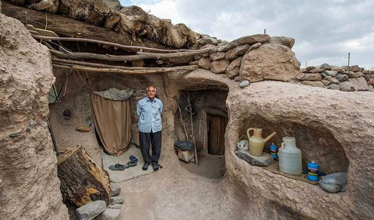میمند، روستای صخره ای کرمان