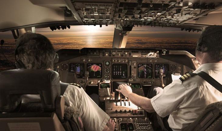 خلبانهای هواپیمایی بریتانیا در حین پرواز میخوابند!