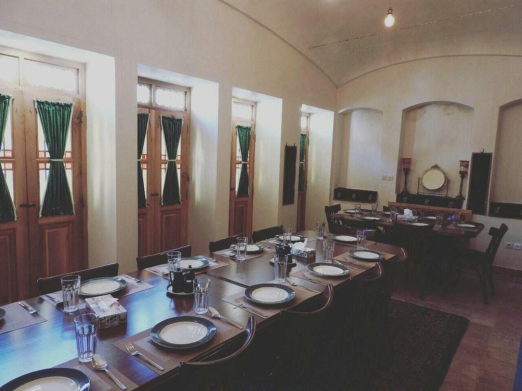 Morshedi House Cafe And Restaurant