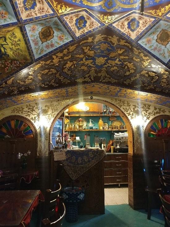 Bahar Narenj Cafe (8).jpg