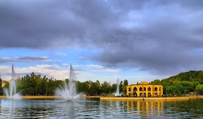 El Goli Parc Tabriz (2).jpg