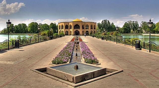 El Goli Parc Tabriz (1).jpg