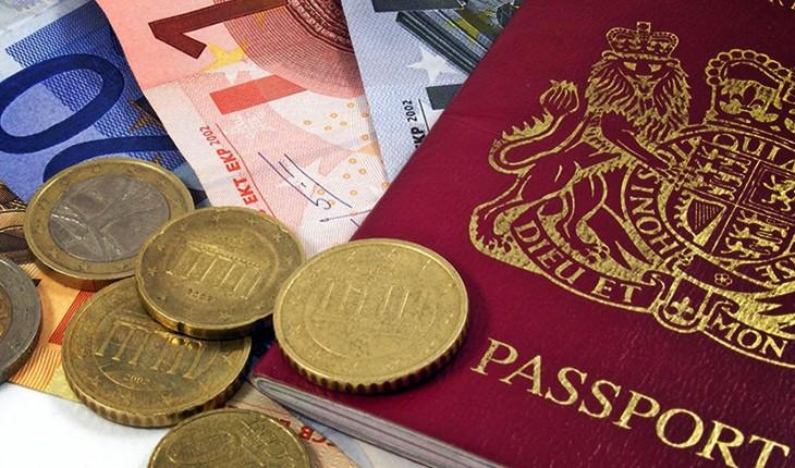 ارز مسافرتی  ۱۱۸۰۰ تومان قیمت خورد