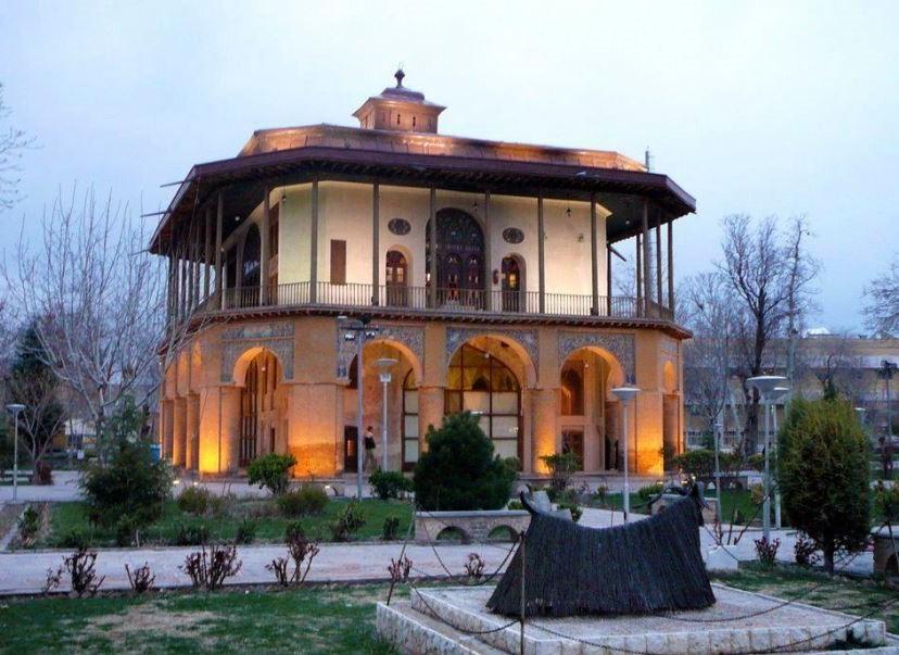 Chehel Sotoun Museum Palace Qazvin (3).jpg