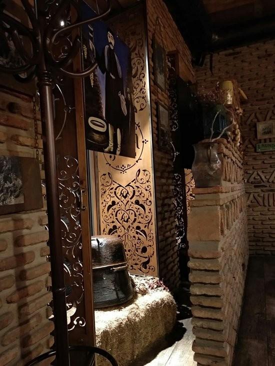 Tabla Saloon Restaurant (5).jpg