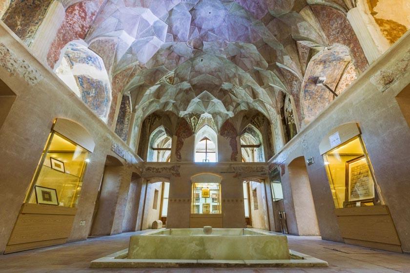 Chehel Sotoun Museum Palace Qazvin (7).jpg