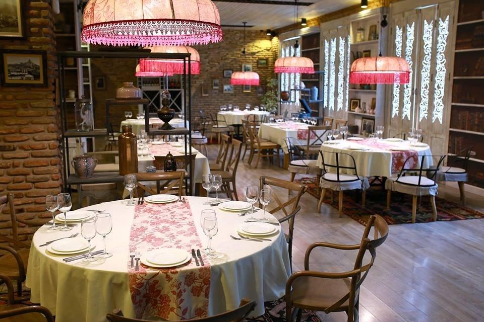 Tabla Saloon Restaurant (16).jpg