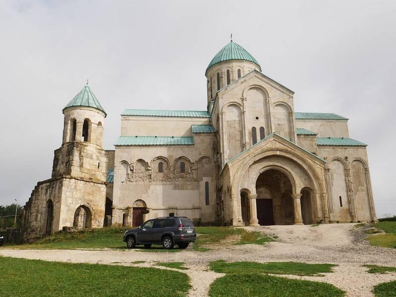 Bagrati Cathedral (4).jpg