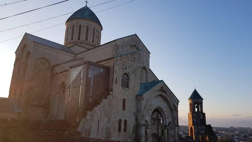 Bagrati Cathedral (3).jpg