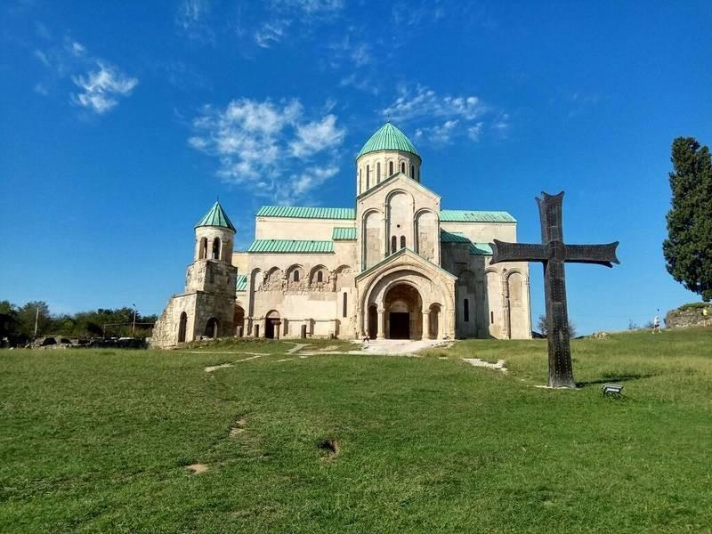 Bagrati Cathedral (9).jpg