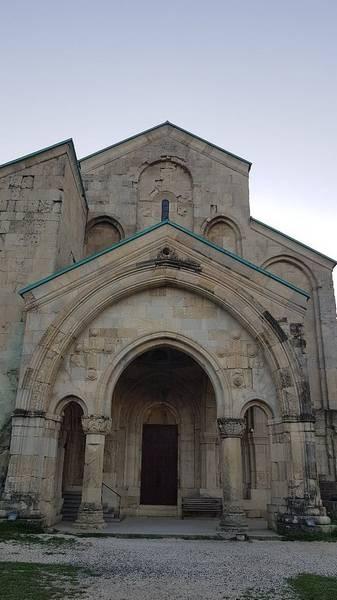 Bagrati Cathedral (2).jpg
