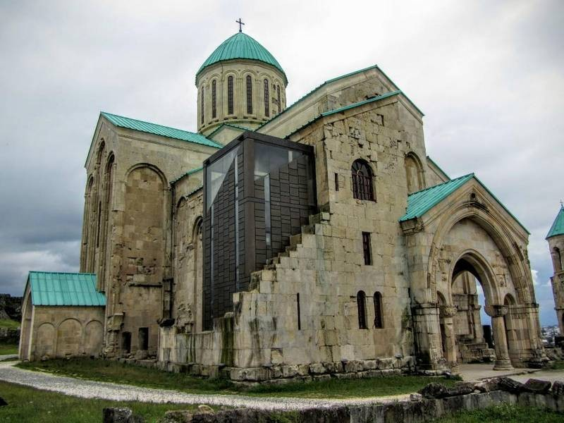 Bagrati Cathedral (6).jpg
