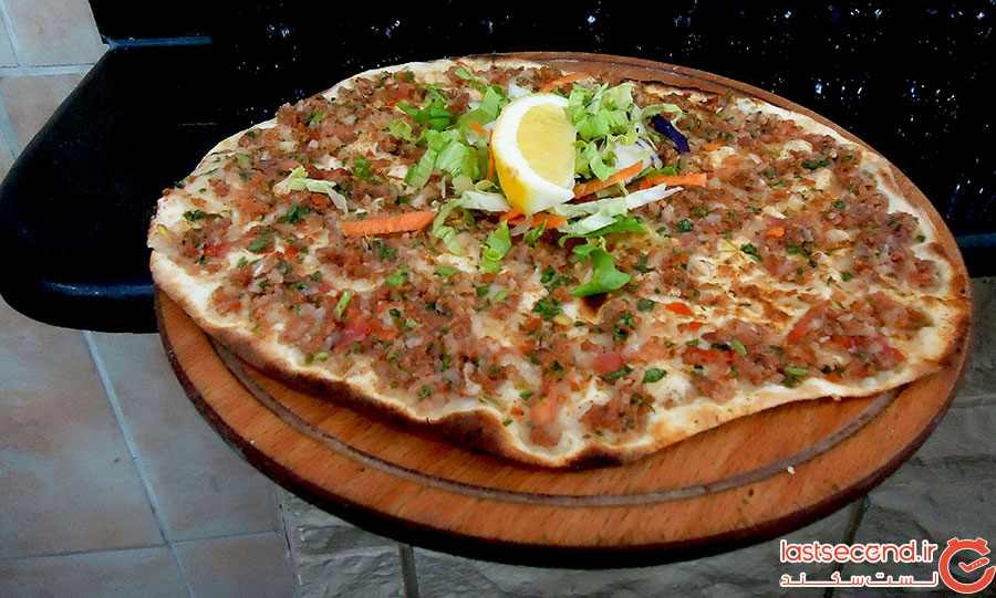 لهمجون، لحمعجین یا پیتزای ترکی (Lahmacun)