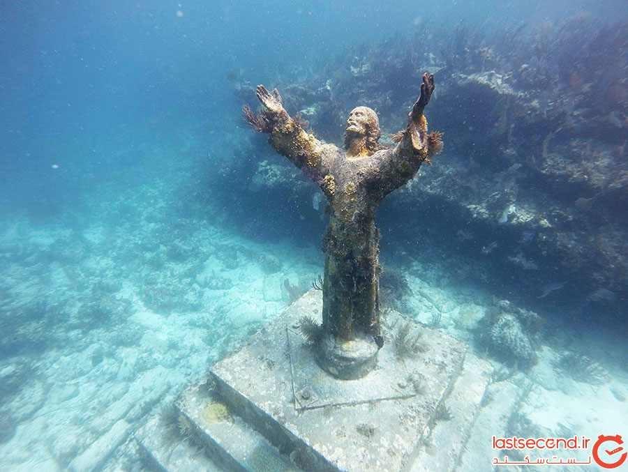 مجسمه مسیح زیر آب؛ ایتالیا