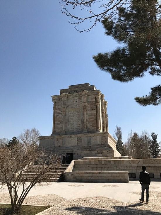 Tomb of Ferdowsi (5).jpg