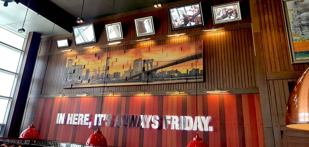 TGI Friday's Restaurant  (15).jpg