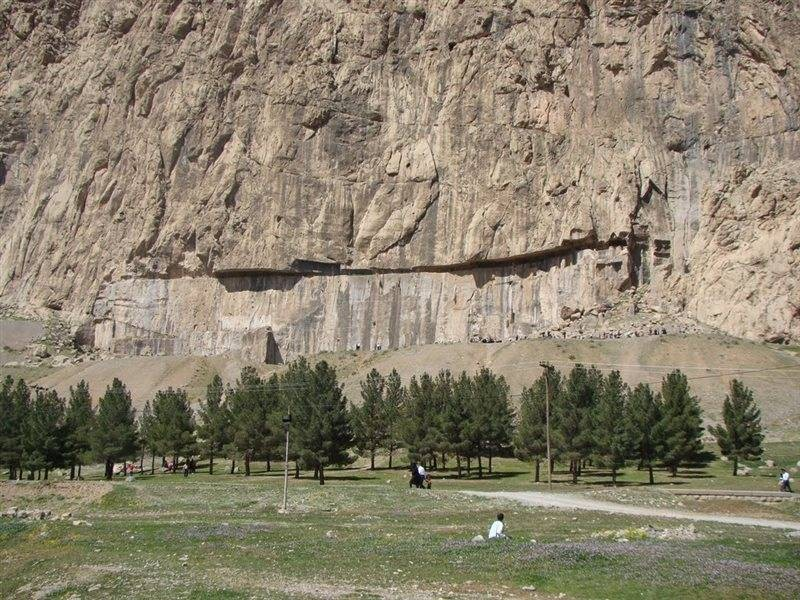 Mount Behistun (4).jpg