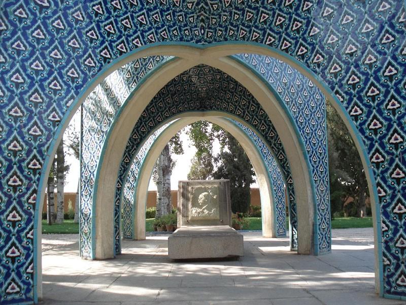 Tomb Kamal Ol Molk (2).jpg