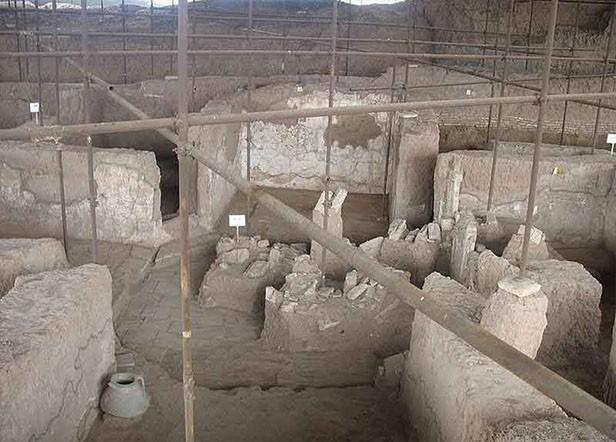محوطه باستانی شادیاخ
