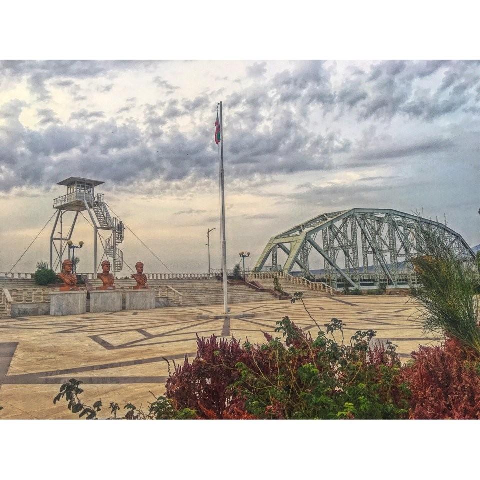 Jolfa Iron Bridge (2).jpg