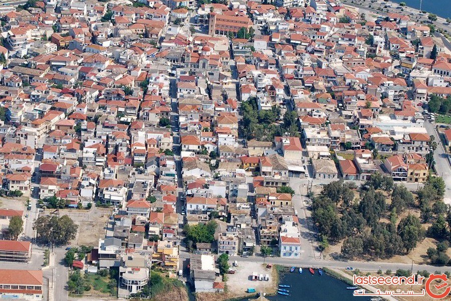 شهری که پوشیده از تار عنکبوت است