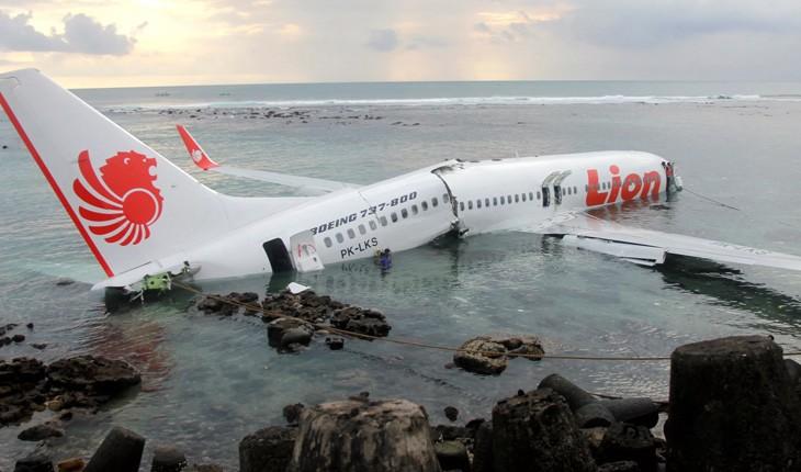 مردی که از سقوط هواپیمایی بوئینگ 737 اندونزی جان سالم به در برد