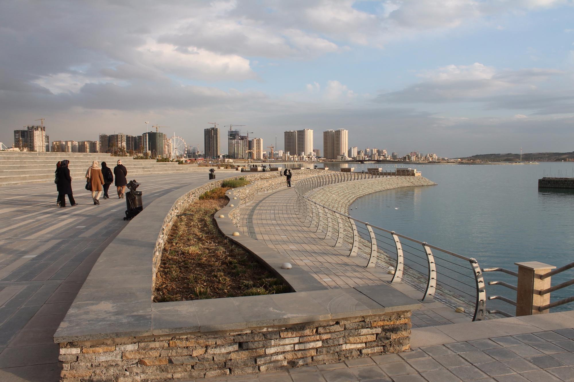 Khalij Fars Lake (4).jpg