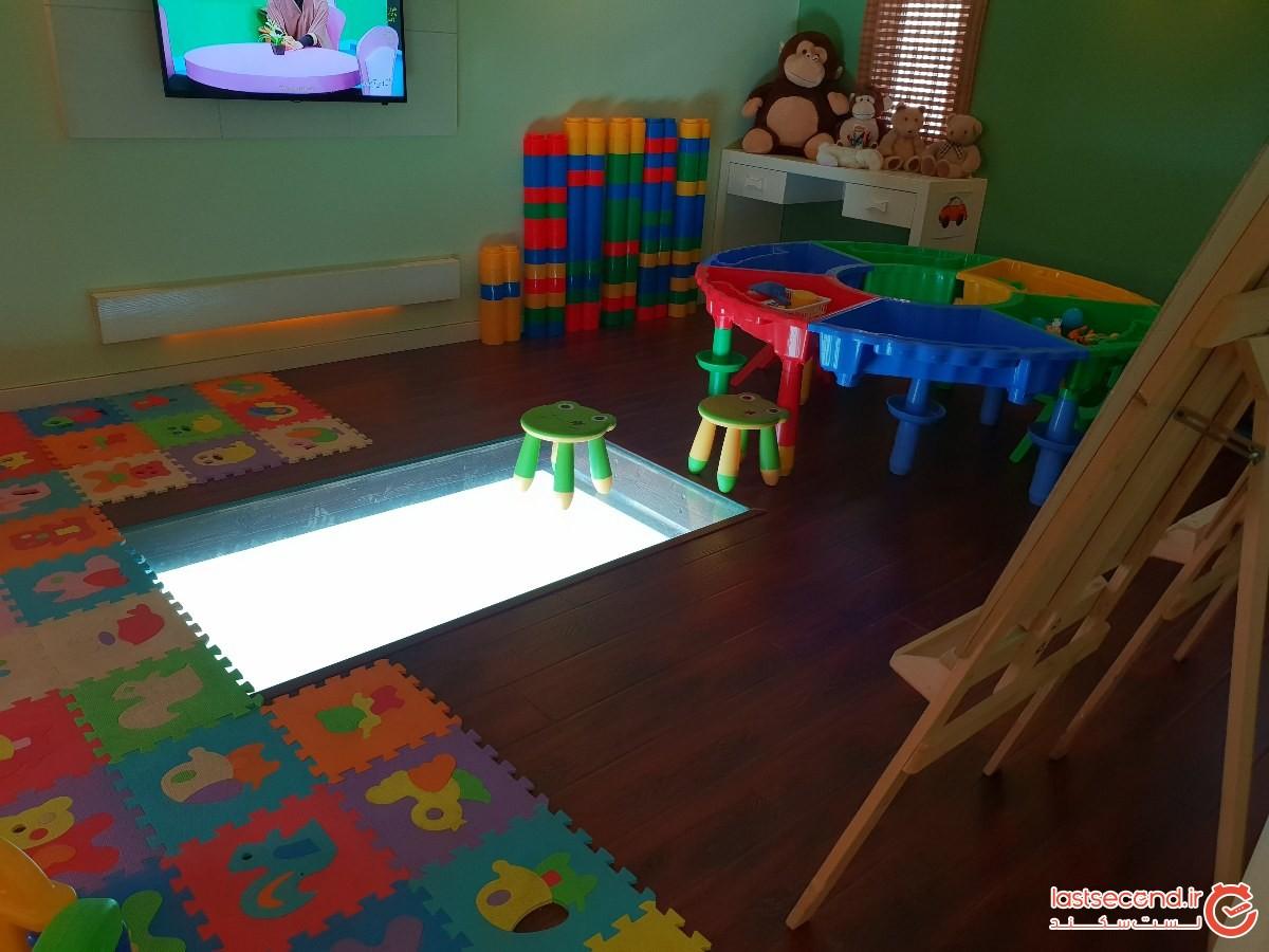 محوطه بازی و کودکان