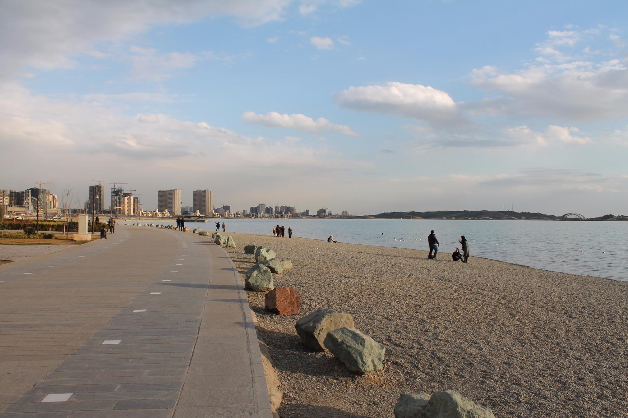 Khalij Fars Lake (1).jpg