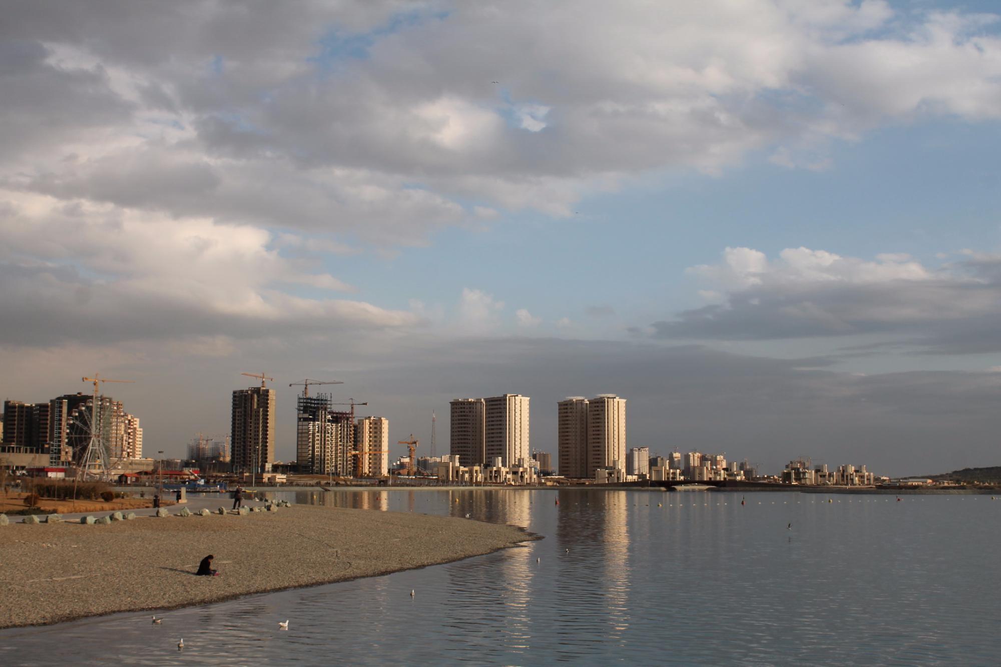 Khalij Fars Lake (2).jpg