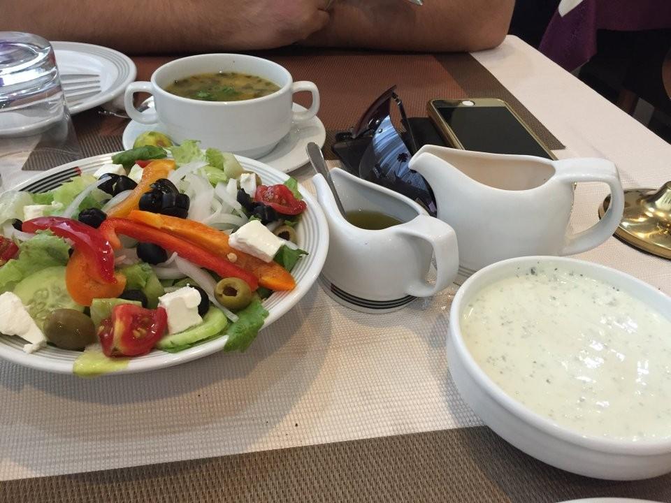 Mizban Restaurant (14).jpg