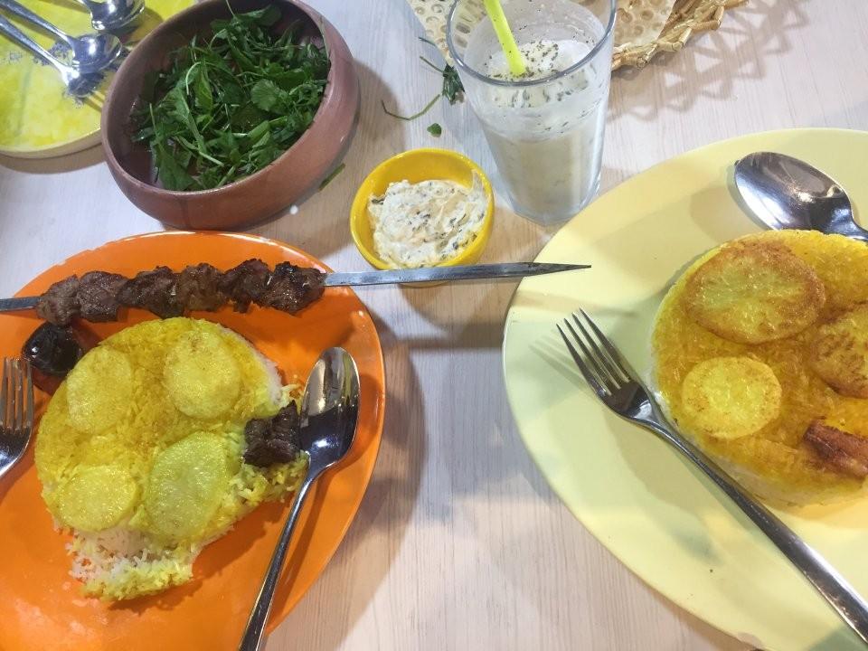 Azarchehr Restaurant (8).jpg