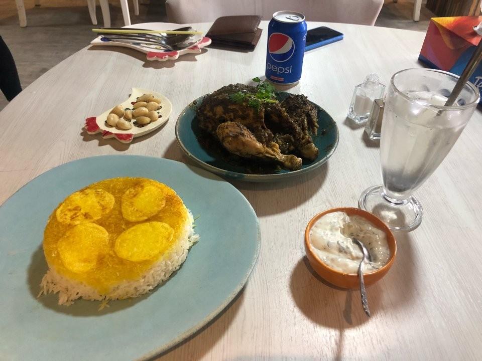 Azarchehr Restaurant (1).jpg