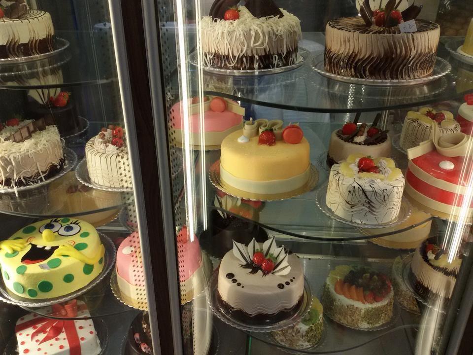 Tak Derakht Confectionery-12.jpg